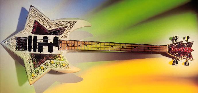 Мастеровая бас гитара Space Bass