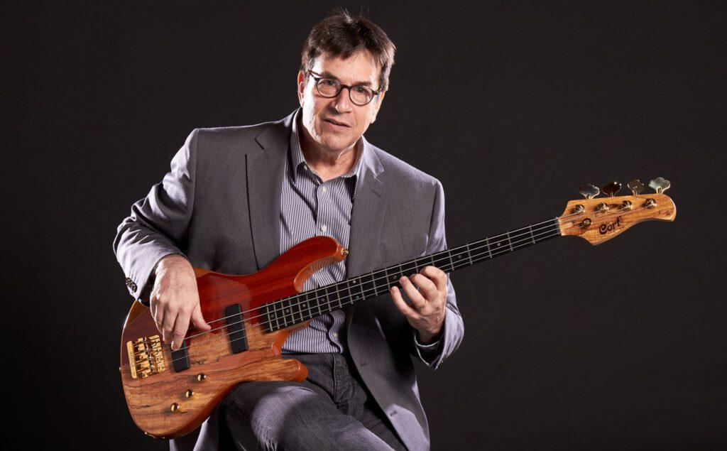 jeff berlin с бас гитарой
